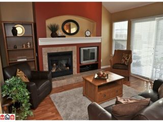 """Photo 2: 34 17097 64TH Avenue in Surrey: Cloverdale BC Townhouse for sale in """"Kentucky"""" (Cloverdale)  : MLS®# F1100822"""