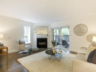 Photo 3: 2433 W 6TH Avenue in Vancouver: Kitsilano Townhouse for sale (Vancouver West)  : MLS®# R2477689