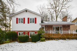 Photo 1: 43 Wynn Castle Drive in Lower Sackville: 25-Sackville Residential for sale (Halifax-Dartmouth)  : MLS®# 202100752