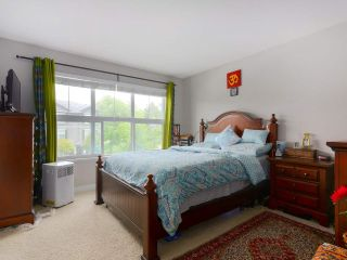 """Photo 12: 1 18199 70 Avenue in Surrey: Cloverdale BC Townhouse for sale in """"AUGUSTA"""" (Cloverdale)  : MLS®# R2418481"""