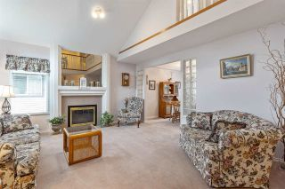 """Photo 6: 6356 187A Street in Surrey: Cloverdale BC House for sale in """"Eagle Crest"""" (Cloverdale)  : MLS®# R2586904"""
