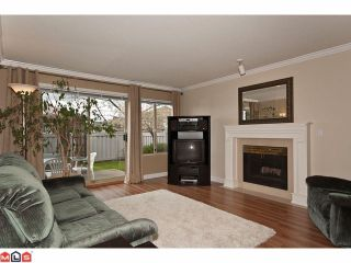 """Photo 3: 24 15840 84TH Avenue in Surrey: Fleetwood Tynehead Townhouse for sale in """"Fleetwood Gables"""" : MLS®# F1110783"""