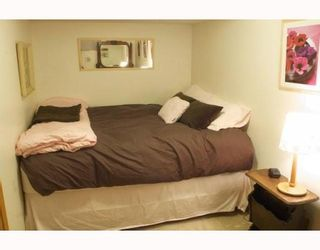 Photo 11: 83 HAWKLEY VALLEY Road NW in CALGARY: Hawkwood Residential Detached Single Family for sale (Calgary)  : MLS®# C3361243