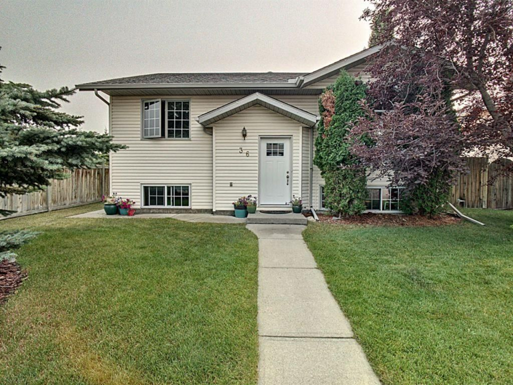 Main Photo: 36 West Boothby Crescent: Cochrane Detached for sale : MLS®# A1135637