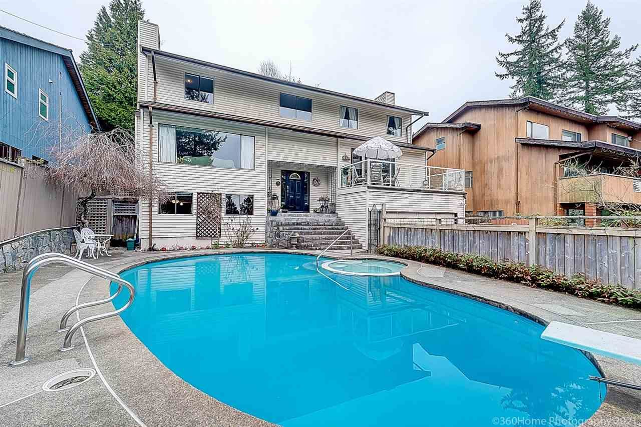 Main Photo: 282 MONTROYAL Boulevard in North Vancouver: Upper Delbrook House for sale : MLS®# R2562013