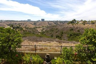Photo 4: SAN DIEGO House for sale : 4 bedrooms : 5623 Glenstone Way