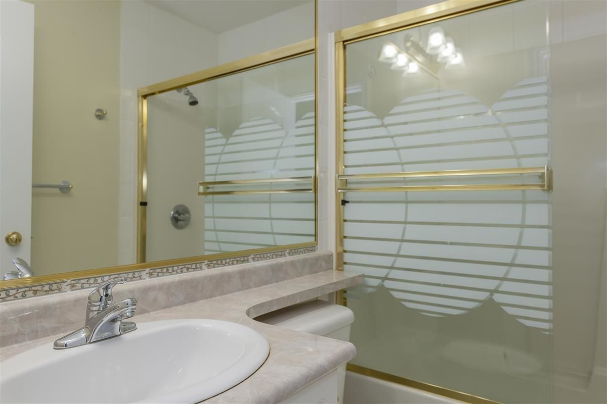 Photo 18: Photos: 3178 GILMORE Avenue in Burnaby: Central BN 1/2 Duplex for sale (Burnaby North)  : MLS®# R2474693