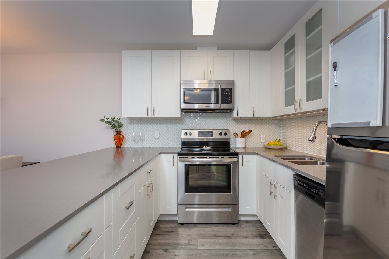 """Photo 10: Photos: 1804 3980 CARRIGAN Court in Burnaby: Government Road Condo for sale in """"Discovery Place"""" (Burnaby North)  : MLS®# R2465942"""