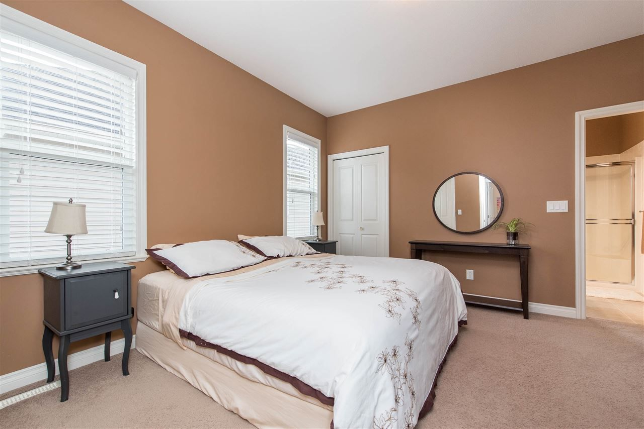 "Photo 19: Photos: 34914 2 Avenue in Abbotsford: Poplar House for sale in ""Huntingdon Village"" : MLS®# R2548984"