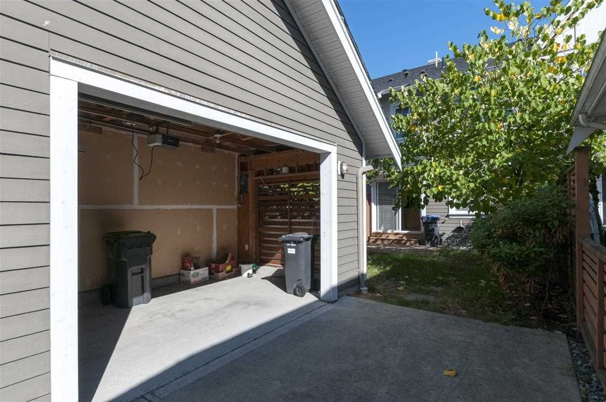 """Photo 14: Photos: 230 BROOKES Street in New Westminster: Queensborough Condo for sale in """"MARMALADE SKY"""" : MLS®# R2227359"""