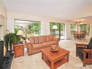 Photo 4: 32 1255 Wain Rd in NORTH SAANICH: NS Sandown Row/Townhouse for sale (North Saanich)  : MLS®# 605177