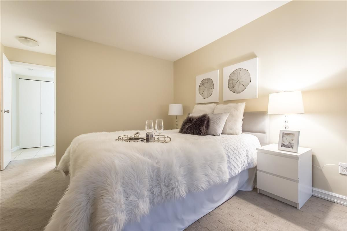 """Photo 13: Photos: 312 10088 148 Street in Surrey: Guildford Condo for sale in """"GUILDFORD PARK PLACE"""" (North Surrey)  : MLS®# R2526530"""