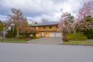 "Photo 2: 3530 COLTER Court in Burnaby: Government Road House for sale in ""GOVERNMENT ROAD"" (Burnaby North)  : MLS®# R2258843"