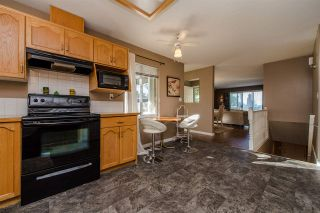 """Photo 4: 25 2023 WINFIELD Drive in Abbotsford: Abbotsford East Townhouse for sale in """"Meadow View"""" : MLS®# R2106791"""