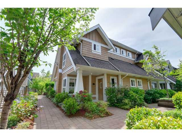 """Photo 1: Photos: 25 2688 MOUNTAIN Highway in North Vancouver: Westlynn Townhouse for sale in """"CRAFTSMAN ESTATES"""" : MLS®# V1073311"""
