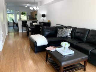 Photo 2: 60 50 PANORAMA PLACE in Port Moody: Heritage Woods PM Townhouse for sale : MLS®# R2392982