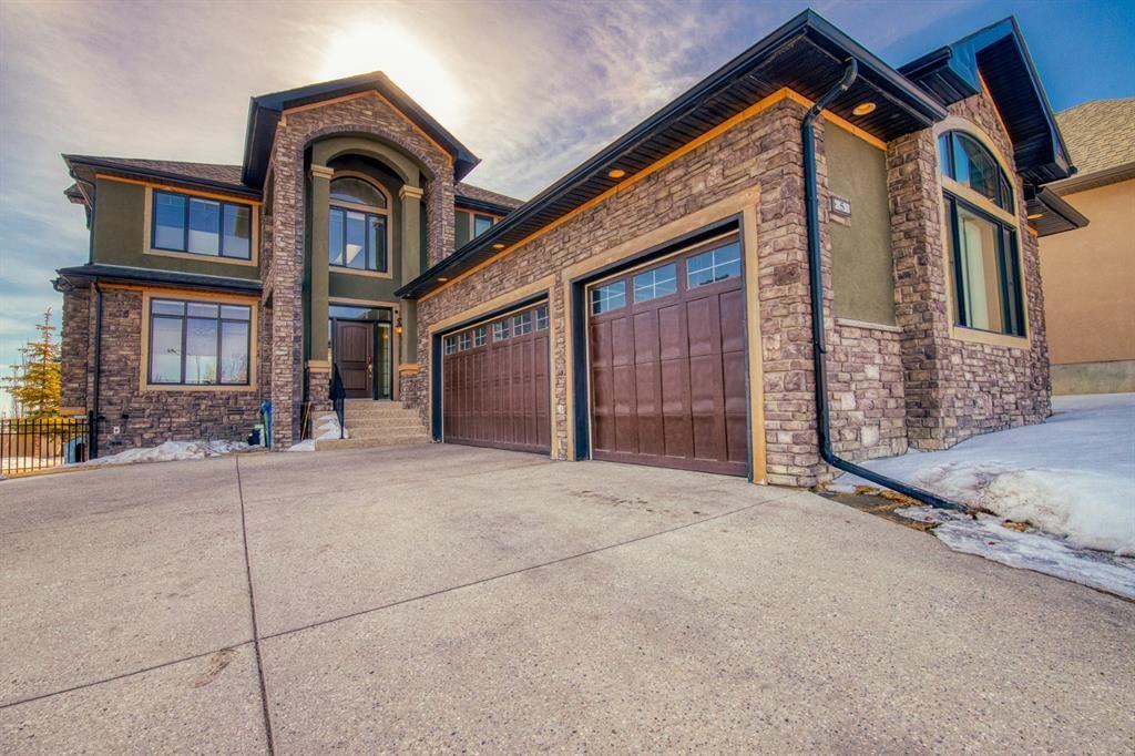 Main Photo: 5 Aspen Meadows Park SW in Calgary: Aspen Woods Detached for sale : MLS®# A1077150