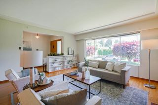 Photo 4: 4463 CEDARWOOD Court in Burnaby: Garden Village House for sale (Burnaby South)  : MLS®# R2583714