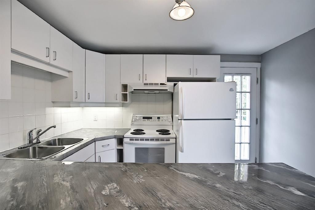 Photo 7: Photos: 2122 5 Street SW in Calgary: Cliff Bungalow Detached for sale : MLS®# A1115201