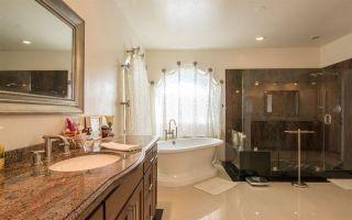 Photo 18: LA COSTA House for sale : 4 bedrooms : 7125 Argonauta Way in Carlsbad