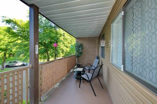 """Photo 21: 214 10662 151A Street in Surrey: Guildford Condo for sale in """"Lincoln Hill"""" (North Surrey)  : MLS®# R2501771"""
