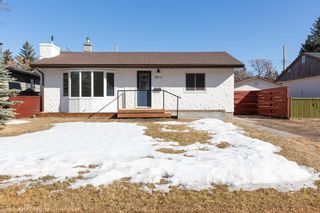 Photo 1: 8812 34 Avenue NW in Calgary: Bowness Detached for sale : MLS®# A1083626