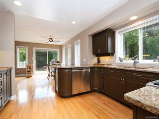 Photo 11: 773 Haliburton Rd in Saanich: SE Cordova Bay House for sale (Saanich East)  : MLS®# 840065