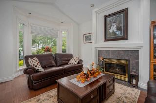 """Photo 2: 14730 31 Avenue in Surrey: Elgin Chantrell House for sale in """"HERITAGE TRAILS"""" (South Surrey White Rock)  : MLS®# R2589327"""