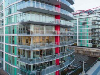 "Photo 19: 405 175 VICTORY SHIP Way in North Vancouver: Lower Lonsdale Condo for sale in ""Cascade"" : MLS®# R2558468"