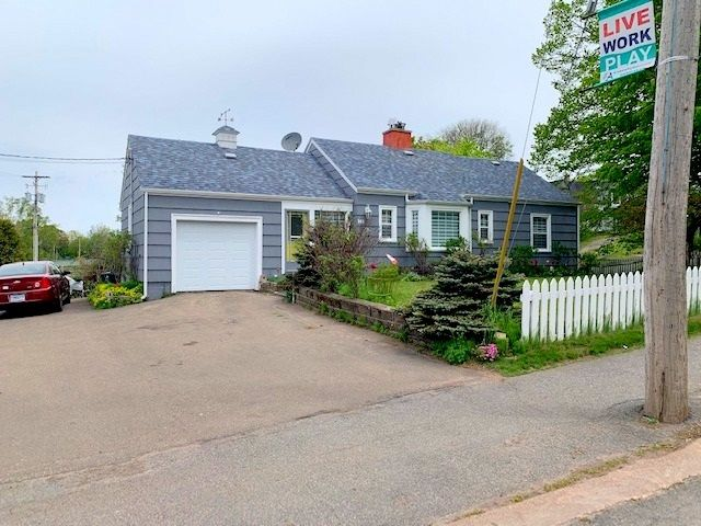 FEATURED LISTING: 148 Church Street Amherst