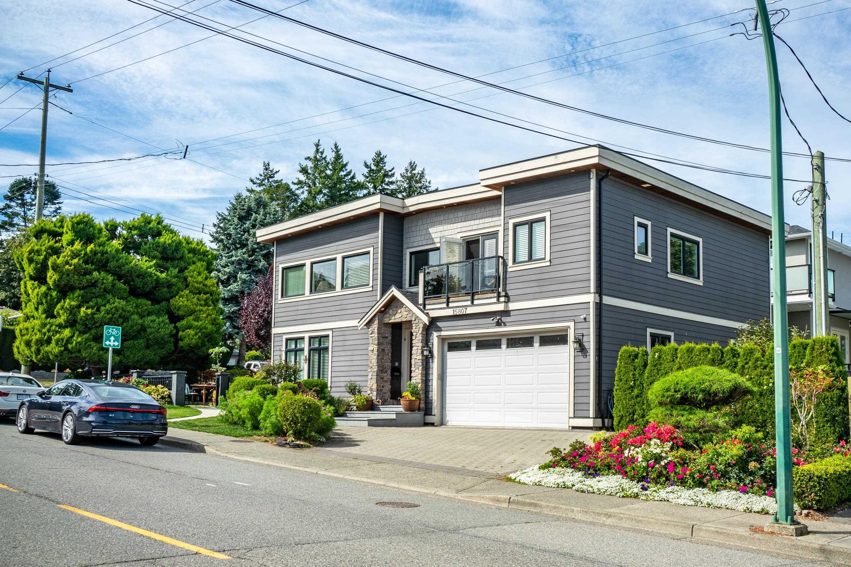 Main Photo: 15807 BUENA VISTA Avenue: White Rock House for sale (South Surrey White Rock)  : MLS®# R2622705