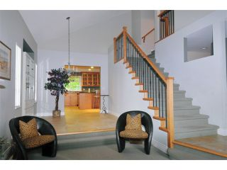 Photo 2: 3905 ROBIN Place in Port Coquitlam: Oxford Heights House for sale : MLS®# V892202