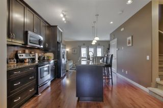 Photo 10: 1062 GAULT Boulevard in Edmonton: Zone 27 Townhouse for sale : MLS®# E4239444