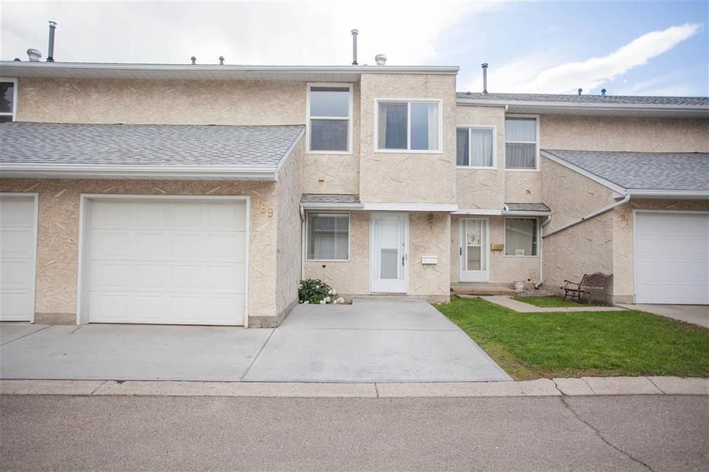 Main Photo: 189 CALLINGWOOD Place in Edmonton: Zone 20 Townhouse for sale : MLS®# E4246325