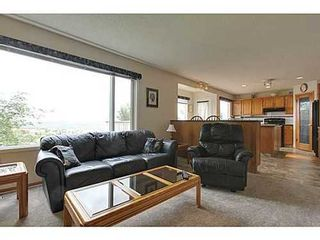 Photo 13: 147 EDGEBROOK Circle NW in Calgary: 2 Storey for sale : MLS®# C3580214