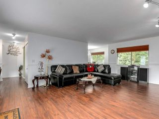 """Photo 6: 212 13725 72A Avenue in Surrey: East Newton Townhouse for sale in """"Park Place Estates"""" : MLS®# R2559356"""