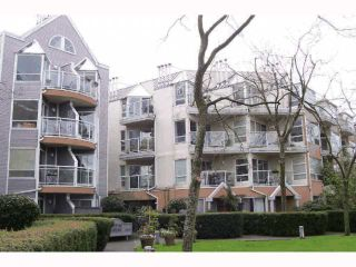 "Photo 1: 213 2010 W 8TH Avenue in Vancouver: Kitsilano Condo for sale in ""AUGUSTINE GARDENS"" (Vancouver West)  : MLS®# V816532"