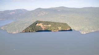 Photo 1: 230 Smith Rd in : GI Salt Spring House for sale (Gulf Islands)  : MLS®# 885042