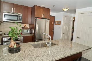 """Photo 2: 704 2978 GLEN Drive in Coquitlam: North Coquitlam Condo for sale in """"Grand Central One"""" : MLS®# R2379022"""