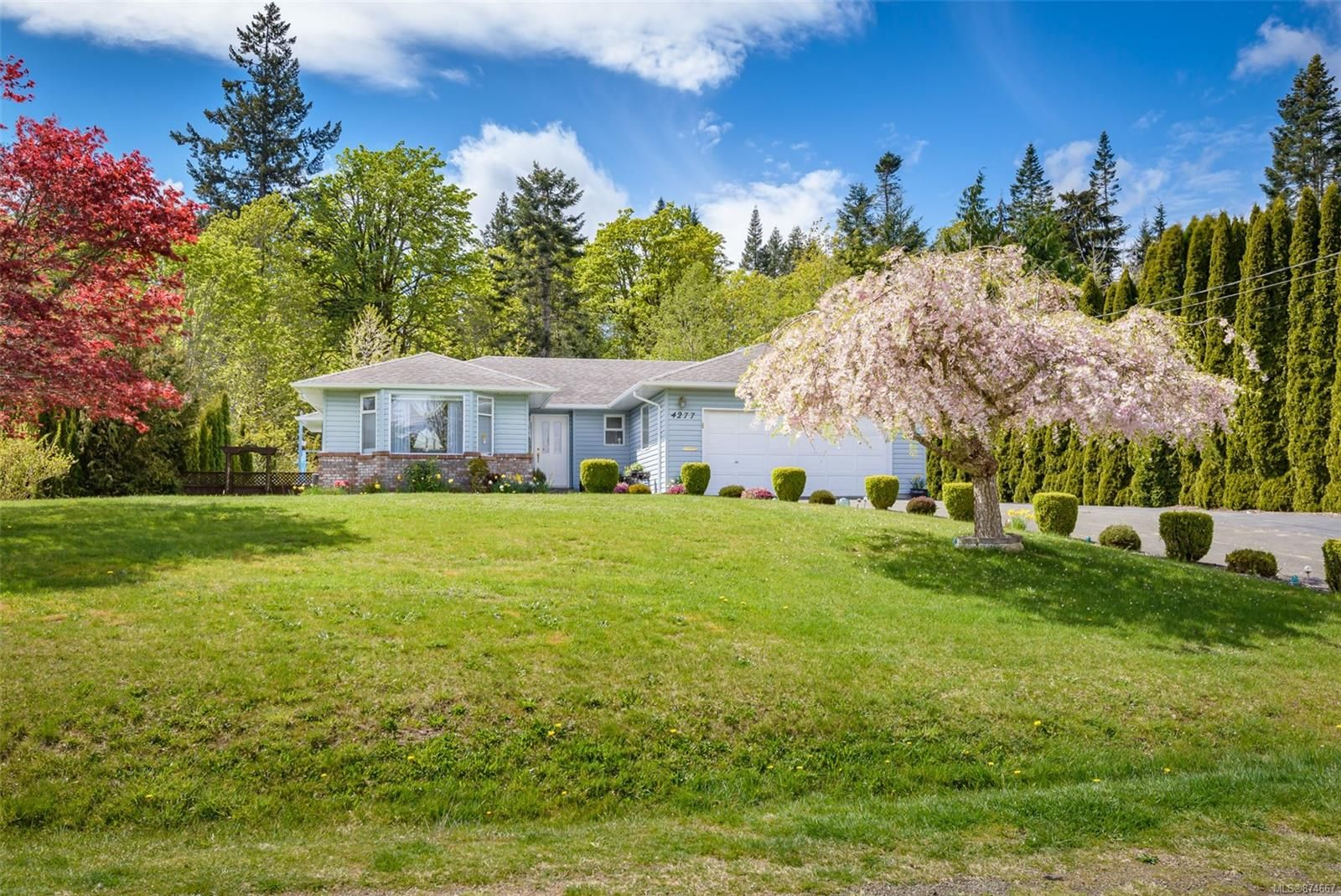 Main Photo: 4277 Briardale Rd in : CV Courtenay South House for sale (Comox Valley)  : MLS®# 874667