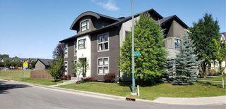 Photo 2: 2006 40 Avenue SW in Calgary: Altadore Semi Detached for sale : MLS®# C4282487