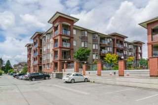 "Photo 17: 204 19730 56 Avenue in Langley: Langley City Condo for sale in ""Madison"" : MLS®# R2408139"