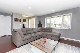 Photo 3: 8695 TILSTON Street in Chilliwack: Chilliwack E Young-Yale House for sale : MLS®# R2588024