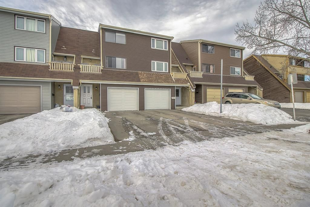 Main Photo: 1309 Ranchlands Road NW in Calgary: Ranchlands Row/Townhouse for sale : MLS®# A1060522