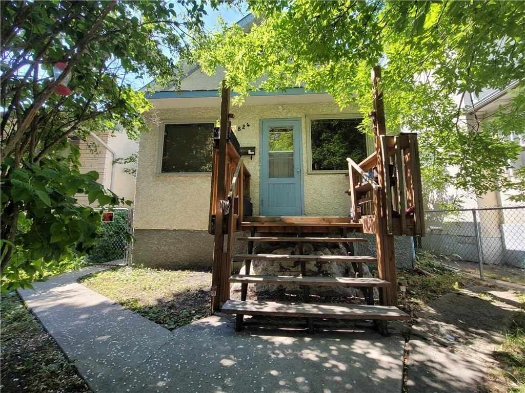 Main Photo: 824 Stella Avenue in Winnipeg: North End Residential for sale (4A)  : MLS®# 202112711