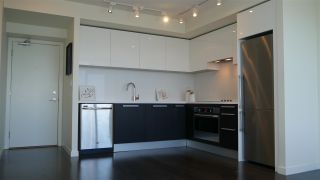 """Photo 4: 506 6333 SILVER Avenue in Burnaby: Metrotown Condo for sale in """"SILVER BY INTRACORP"""" (Burnaby South)  : MLS®# R2171155"""