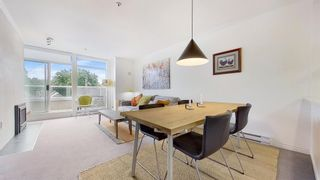 """Photo 8: 408 2288 W 12TH Avenue in Vancouver: Kitsilano Condo for sale in """"CONNAUGHT POINT"""" (Vancouver West)  : MLS®# R2594302"""