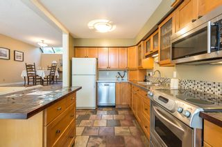 """Photo 8: 3476 DARTMOOR Place in Vancouver: Champlain Heights Townhouse for sale in """"MOORPARK"""" (Vancouver East)  : MLS®# R2096126"""