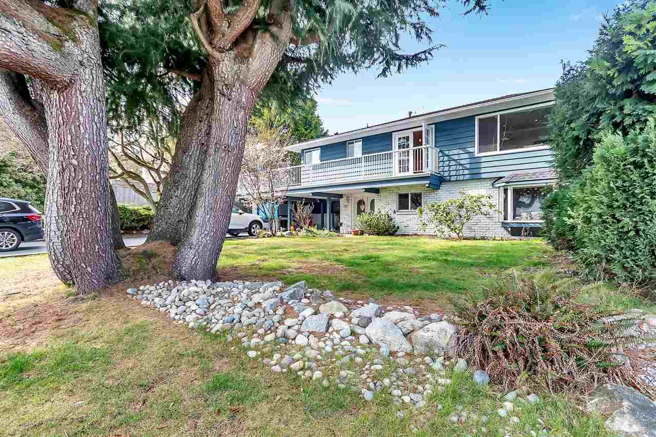 Main Photo: 367 55A Street in Delta: Pebble Hill House for sale (Tsawwassen)  : MLS®# R2549464