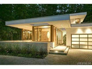 Photo 2: 970 FIR TREE Glen in VICTORIA: SE Broadmead House for sale (Saanich East)  : MLS®# 721236